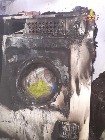 Incendio in una casa di Lamezia