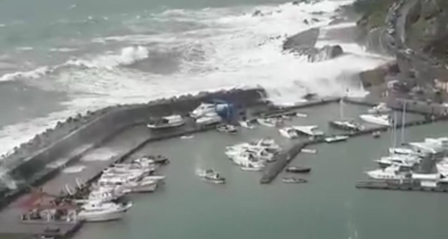 Violenta mareggiata con effetti «devastanti» a Maratea
