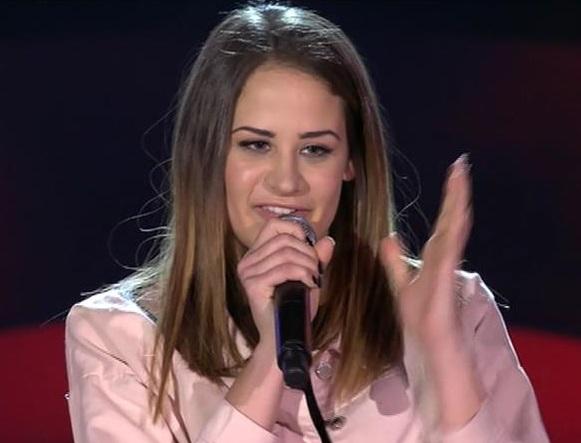 Piace il talento calabrese di Marica FortugnoDalla Calabria al palcoscenico di The Voice