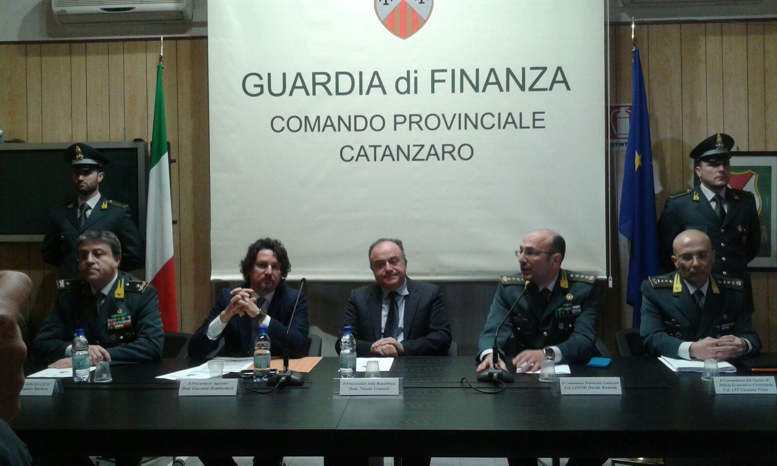 Cinque tonnellate di marijuana dall'Albania all'Italia  Scoperta organizzazione, 25 arresti. Tre sono boss