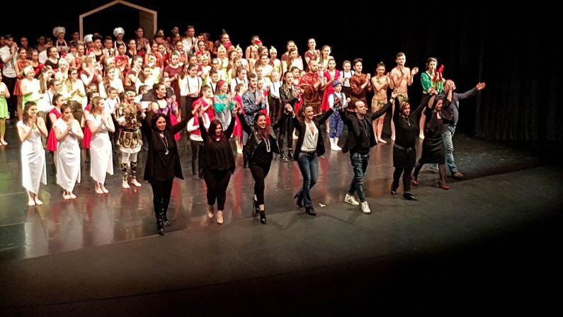 """La splendida favola in scena all'Auditorium dell'Unical  Cinque scuole di danza per lo spettacolo """"La Mela"""""""