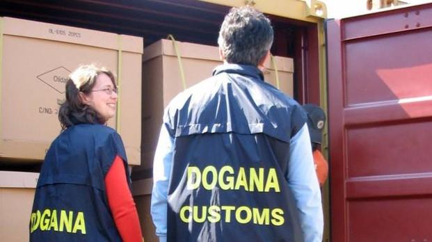 Olio di girasole prodotto all'estero con il marchio ItaliaSequestrate migliaia di bottiglie dirette nel Cosentino