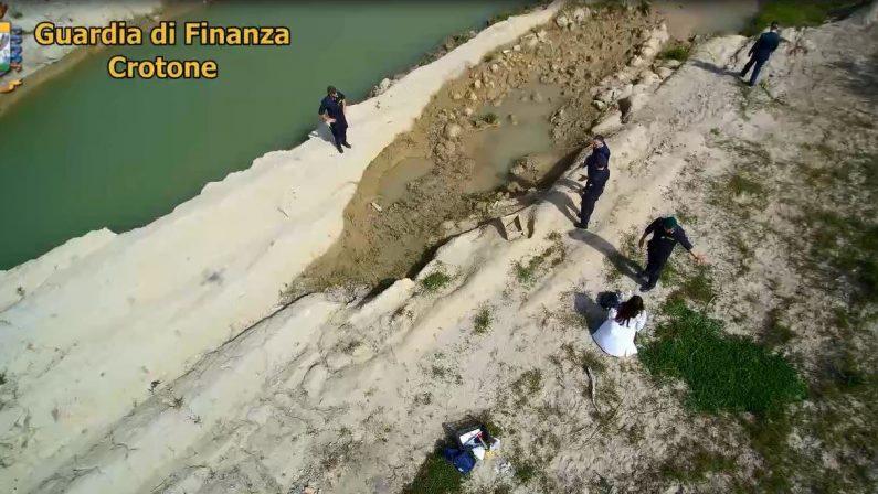 VIDEO - I primi scavi dopo la scoperta della tomba dell'età del Bronzo avvenuta a Crotone