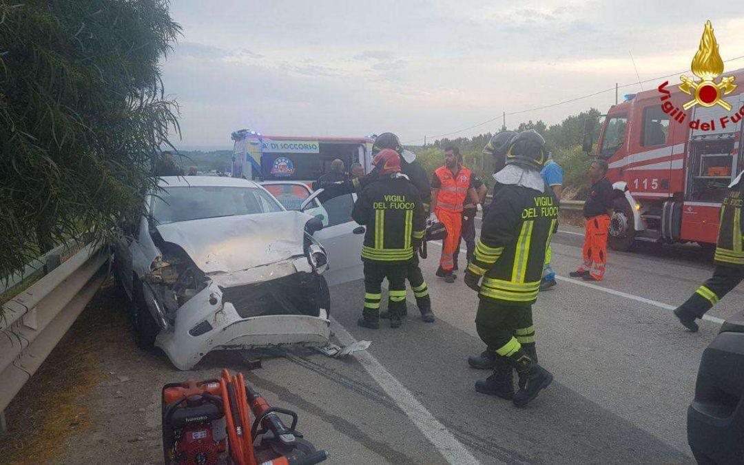 FOTO – Incidente stradale nei pressi di Isola Capo Rizzuto  Le immagini delle auto coinvolte nello scontro frontale