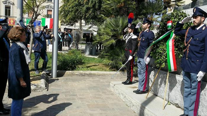 Celebrata anche in Calabria la giornata del 25 AprileTanta gente nelle piazze per «il valore della libertà»