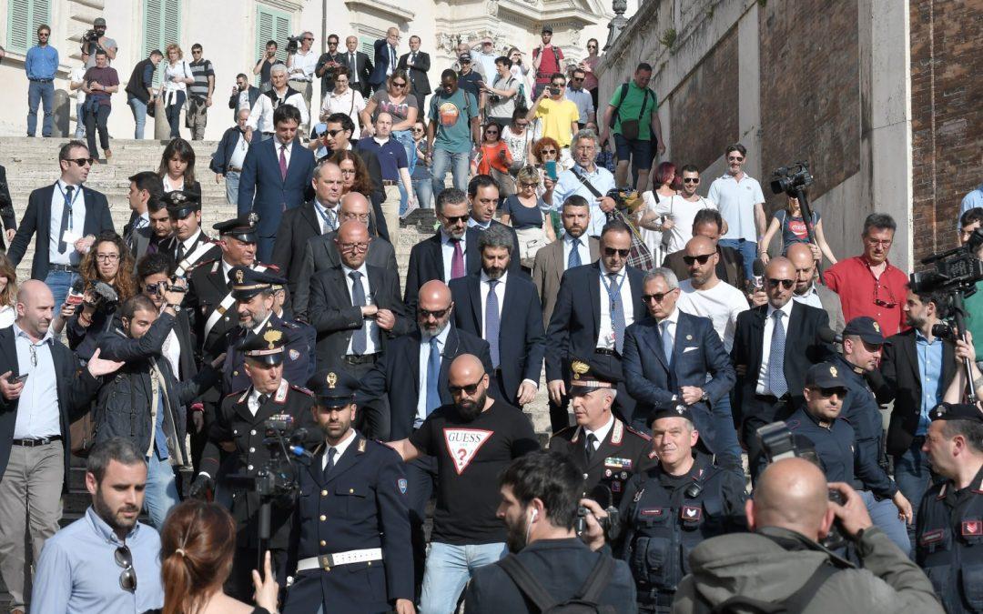 Roberto Fico a piedi nel tragitto Quirinale – Palazzo Chigi