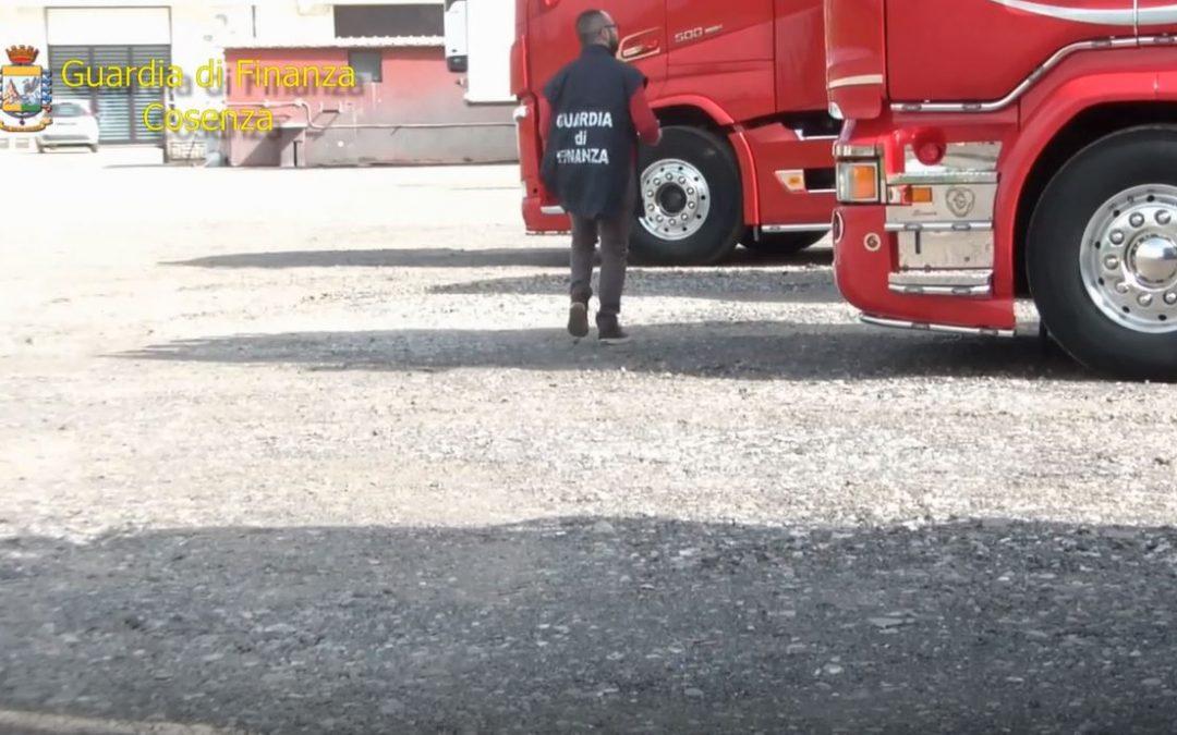 VIDEO – False fatture per truffare l'Iva, sequestri da 1,6 milioni  Le immagini dell'intervento della finanza nel Cosentino