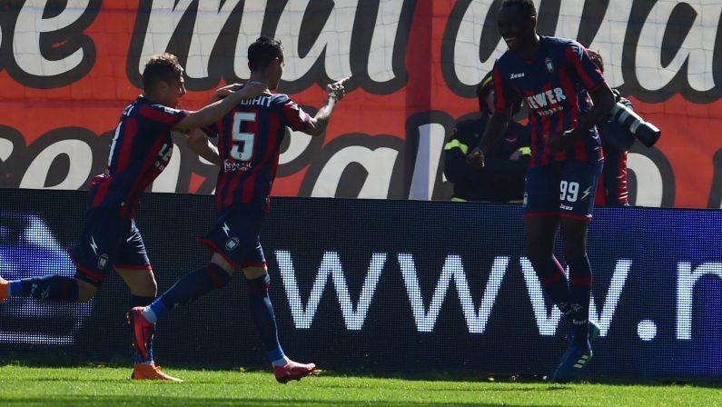 Serie A, il Crotone aggancia la Spal a 27 punti  Battuto il Bologna si torna a lottare per la salvezza