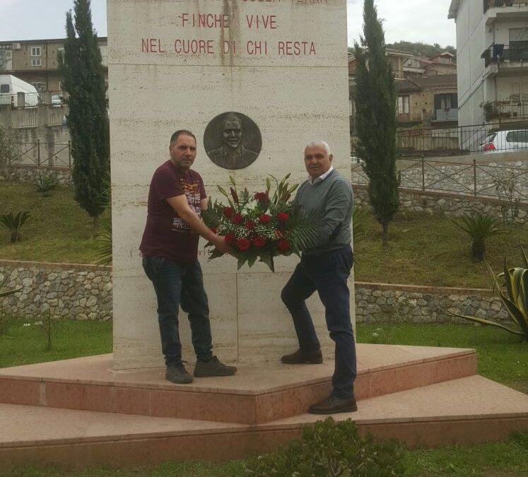 Riparata la targa di Filippo Ceravolo nel Vibonese  La foto del giovane vittima di mafia era stata divelta