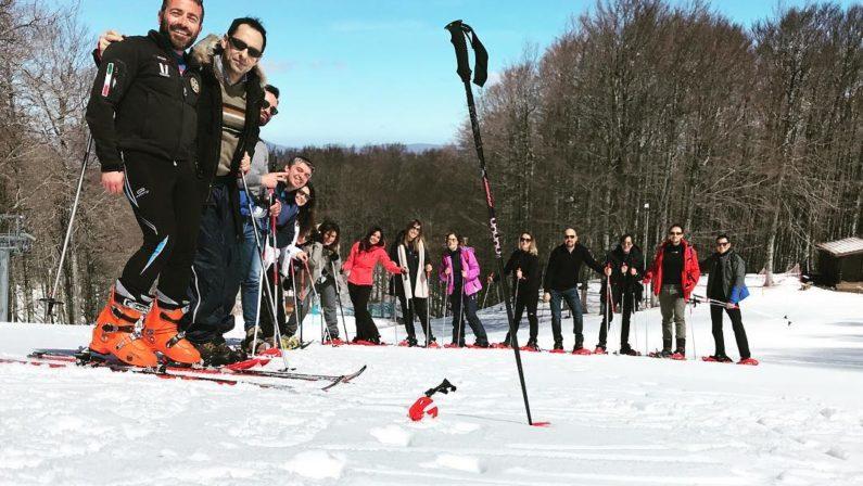 Turismo, un'inedita pasquetta sulla neve mentre Maratea si riprende dalla mareggiata