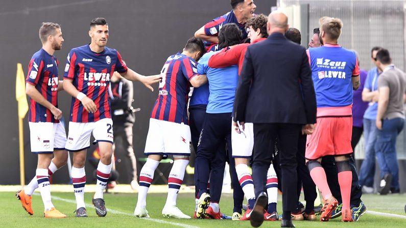 """Calcio, il Crotone chiede di sospendere i campionati  Serie A e B a rischio per la """"vicenda Chievo"""""""