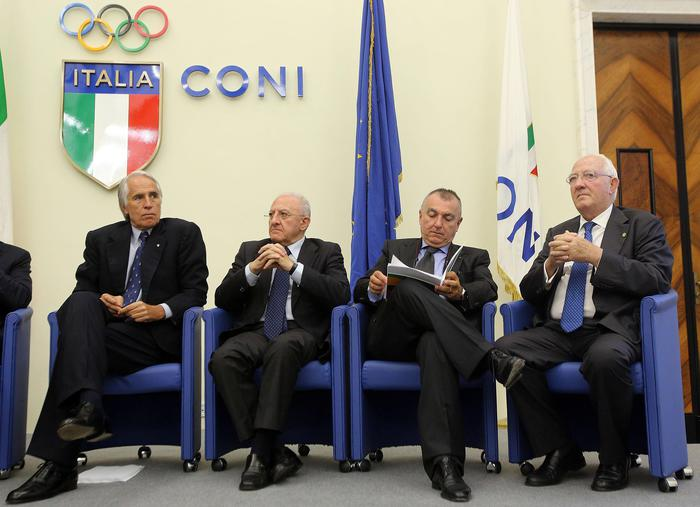 Universiadi: la torcia in staffetta a Milano