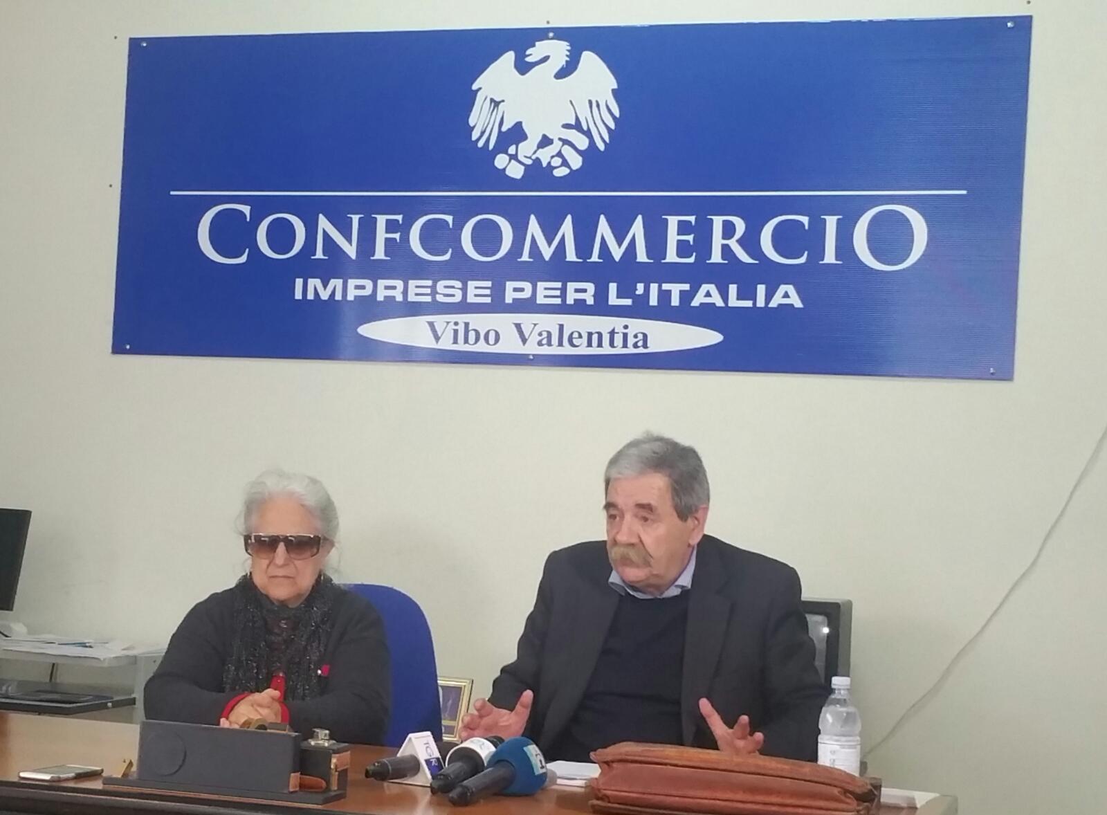 Autobomba Limbadi, la madre di Matteo Vinci contestaAccuse al ministro dell'Interno:«Non sono protetta»