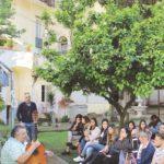 Rosario Fiorenza con gli studenti dell'Unical.jpg