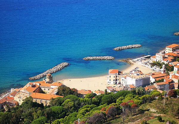 Bandiere Blu, con 18 spiagge la Campania sale sul podio