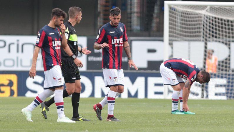 FOTO - Serie A, il Crotone lascia al Chievo i tre punti nella sfida per la salvezza