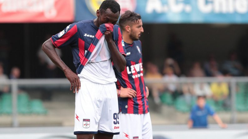 Serie A, il Crotone lascia tre punti salvezza al Chievo  In cinque dovranno correre per evitare la retrocessione