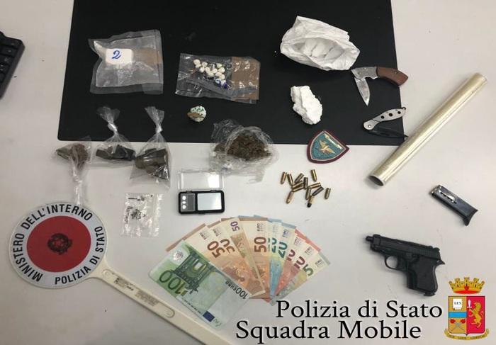Spaccio di droga e armi detenute illegalmente, tre arresti nel Vulture