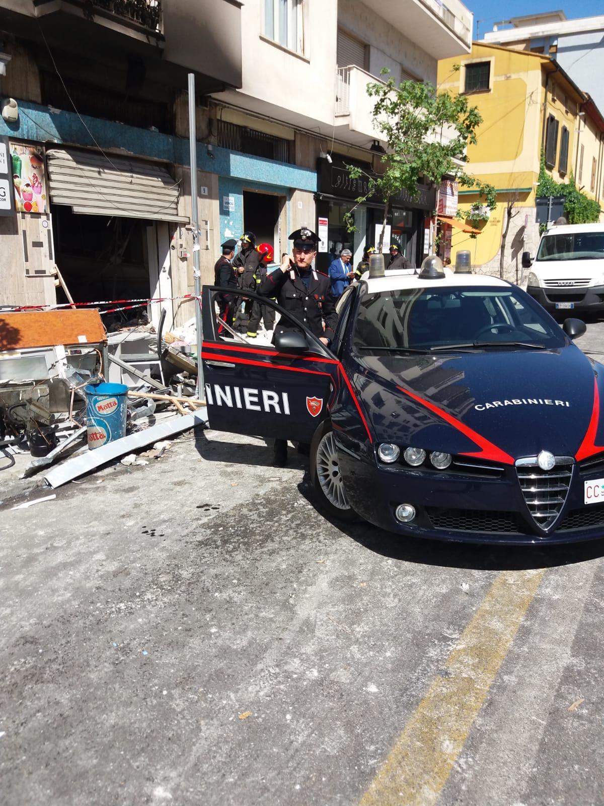 Due bar incendiati a Cosenza, arrestato il proprietario  Truffa all'assicurazione dietro attentati in pieno centro