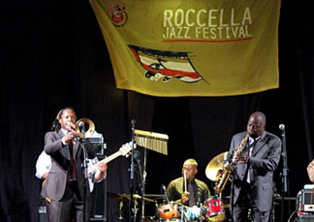 """Mete internazionali per il """"Festival del Jazz"""" di Roccella  La kermesse conquista il magazine """"Down Beat"""""""