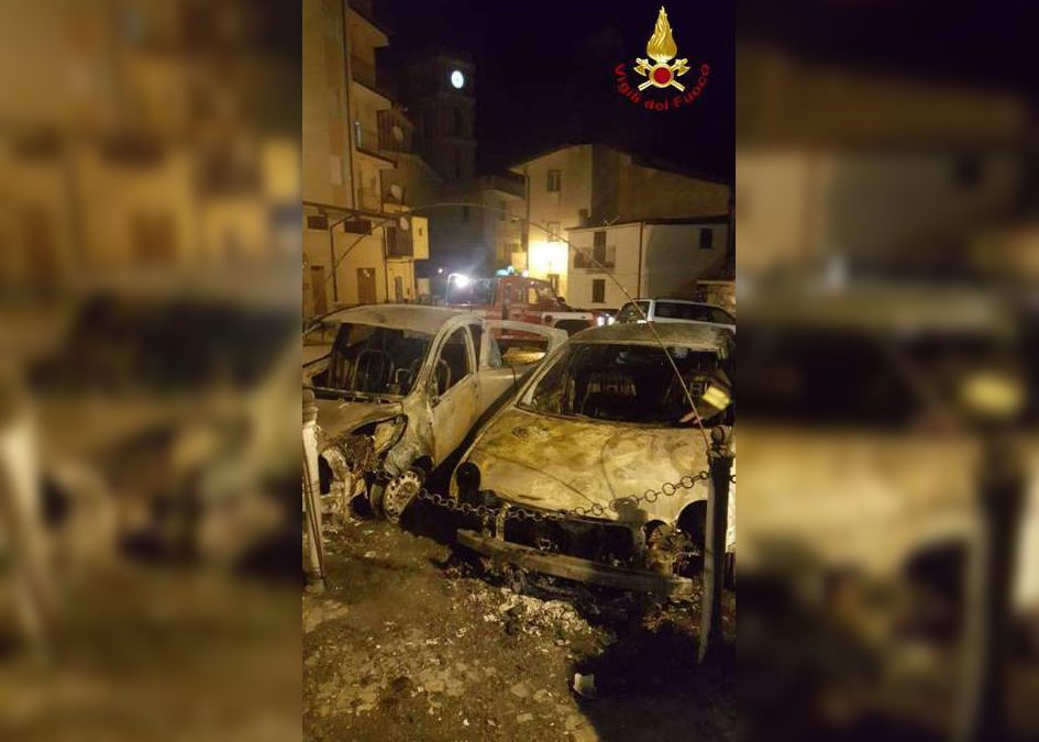 Le auto andate in fiamme
