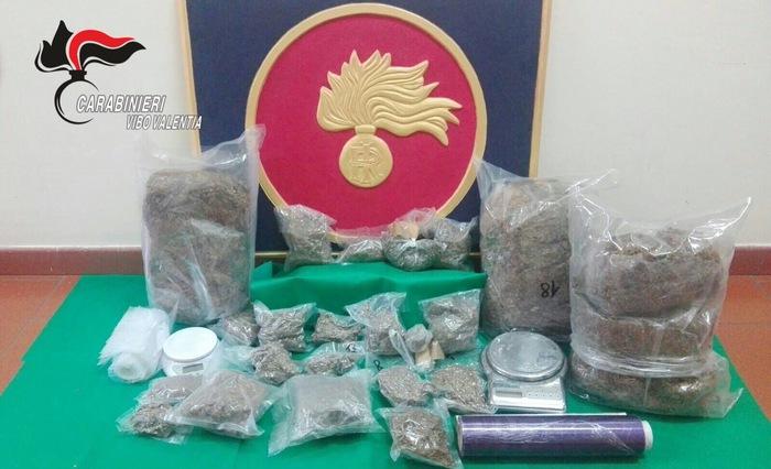 Trovato un bidone con 6 chilogrammi di marijuanaArrestate 2 persone a Soriano in provincia di Vibo Valentia