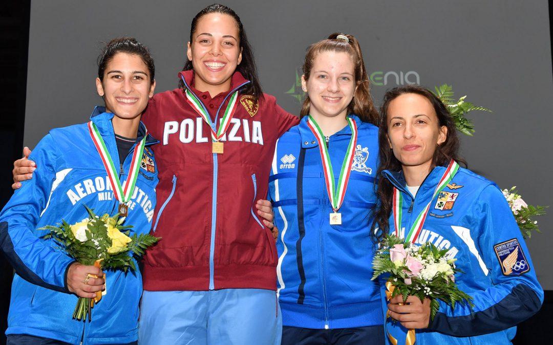 Francesca Palumbo (prima da sinistra) ai Campionati assoluti di Milano - foto Bizzi