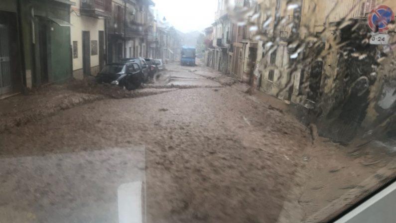 FOTO - Allarme maltempo nel ViboneseLe immagini degli allagamenti e dei crolli