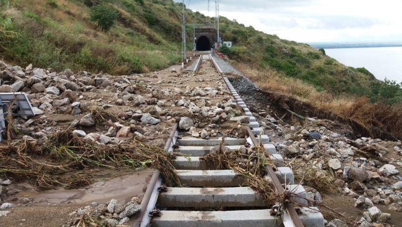 Maltempo, apre tratto ferroviario tra Reggio e LameziaDanni ingenti e Tansi accusa:«Serve più personale»