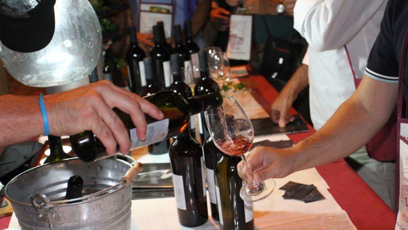 """""""Calici sotto le stelle"""", a Cirella il vino protagonista  Dall'anteprima al programma completo dell'evento"""