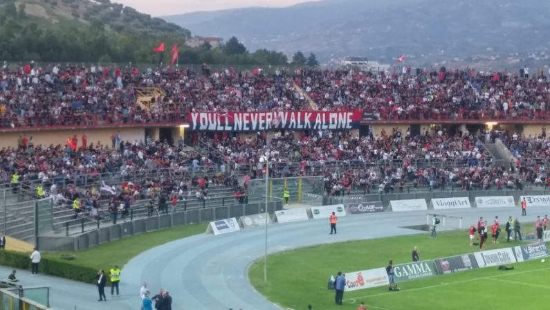 Aggressione sull'autostrada a tifosi del CosenzaDaspo di 8 anni per 5 supporters del Catania