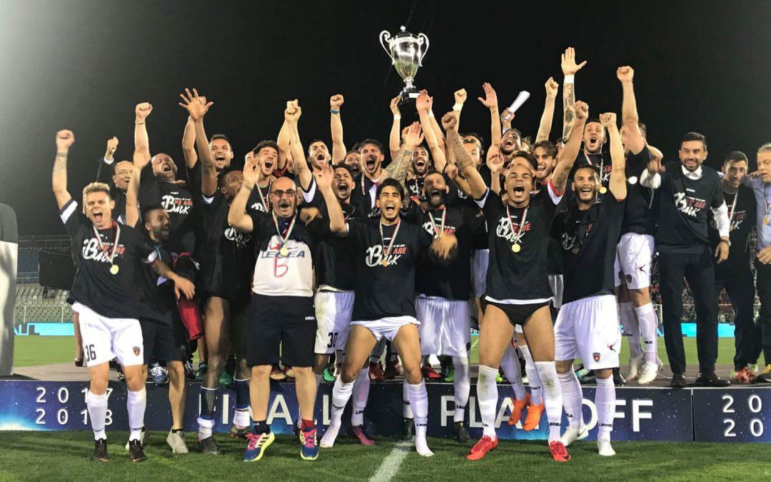 FOTO – Calcio, la festa per la promozione del Cosenza in serie B