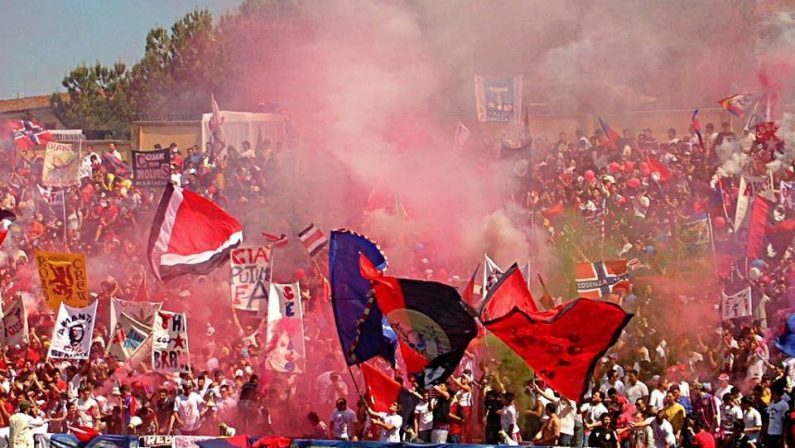 Calcio, a Cosenza tutti per la semifinale playoffStadio stracolmo. Braglia:«Una grande partita»