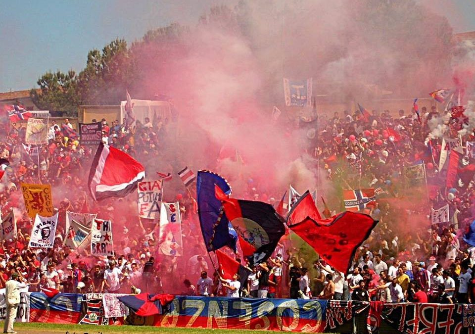 Calcio, a Cosenza la grande semifinale playoff  Stadio stracolmo. Braglia: «Una grande partita»