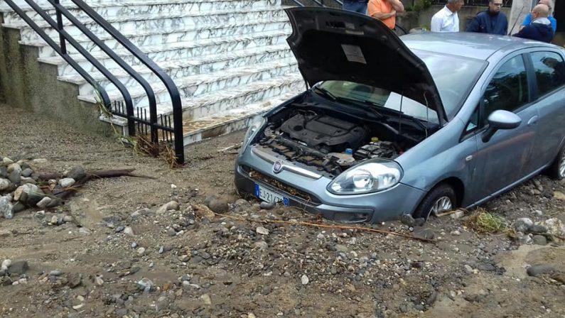 Pioggia intensa in Calabria, molti danni nel RegginoFrane invadono diverse strade. Allerta anche domenica