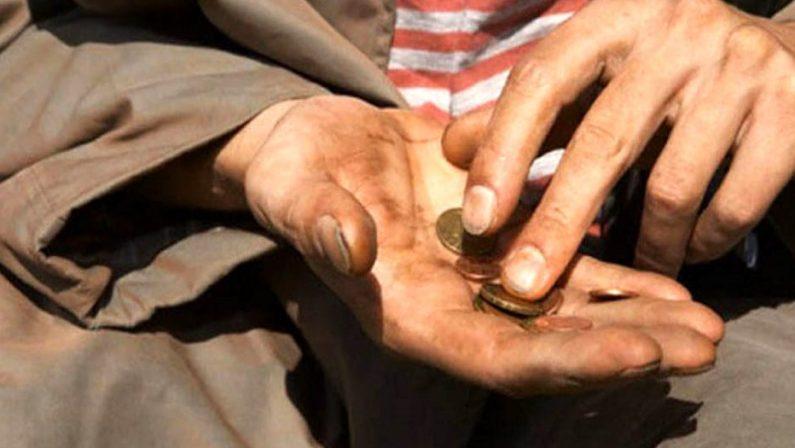 Il Papa denuncia la povertà da virus. Il governo corre ai ripari