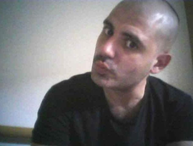 Corpo carbonizzato in un'autovettura nel Vibonese  Forse è un giovane scomparso da ieri, avviate indagini