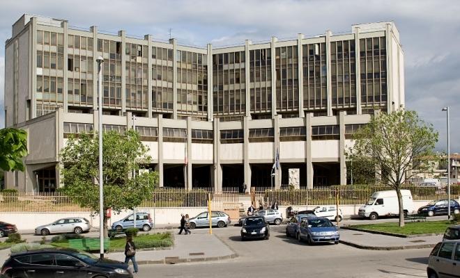 Benevento, violenza privata, lesioni personali e porto illegale di armi: due arresti