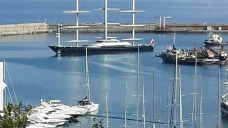A Vibo Marina il super yacht di lusso Falcone MalteseUna delle più grandi e costose barche a vela del mondo