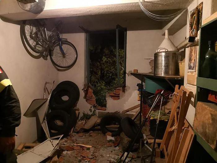 Frana a Longobucco nel Cosentino, sgomberate 8 famiglieLo smottamento ha colpito e danneggiato un immobile