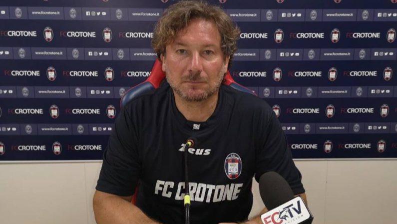"""Serie B, Stroppa protesta con l'arbitro…ma è una fake  La foto """"falsa"""" realizzata dopo il derby con il Cosenza"""