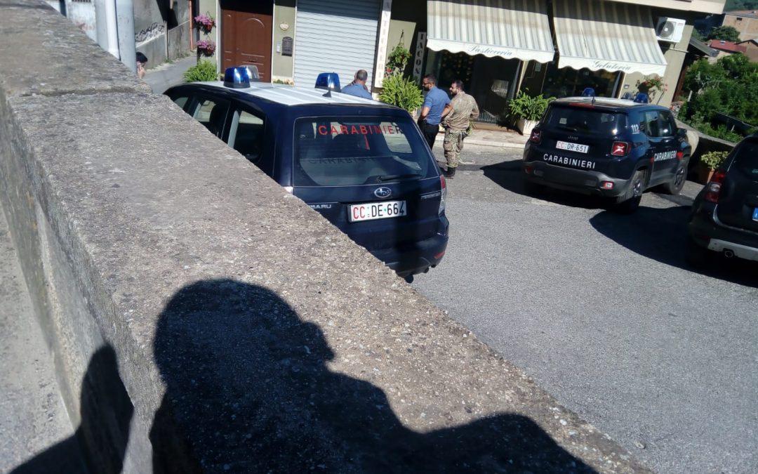Doppia intimidazione ad Acquaro nel Vibonese  Colpiti una pasticceria e un commercialista