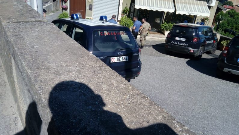 Doppia intimidazione ad Acquaro nel ViboneseColpiti una pasticceria e un commercialista