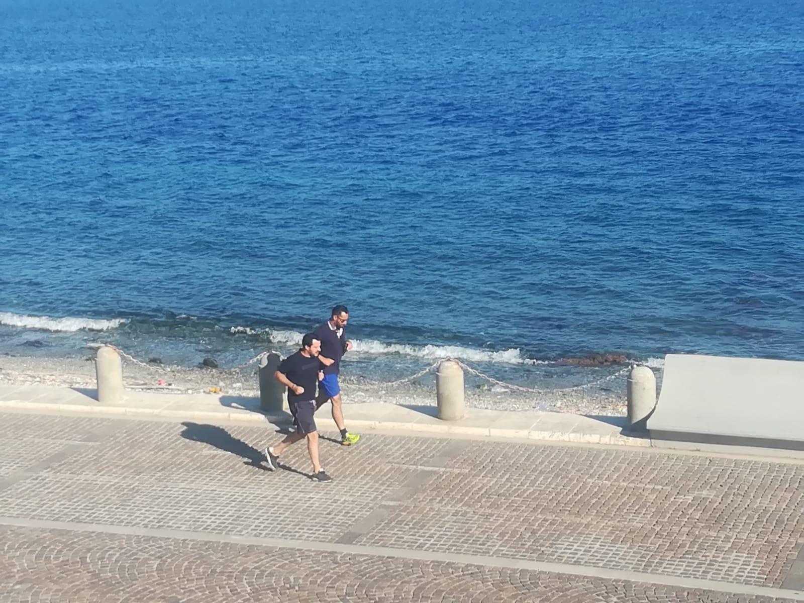 Il ministro Matteo Salvini in visita a Reggio CalabriaPrima degli impegni istituzionali una corsa sul Lungomare