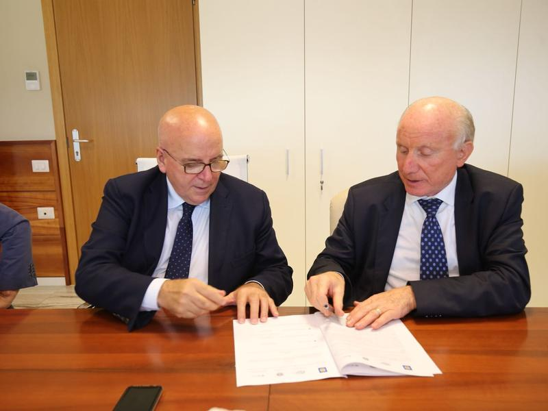 Porti, siglato l'accordo tra le amministrazioniPer gli scali calabresi in arrivo 74 milioni di euro