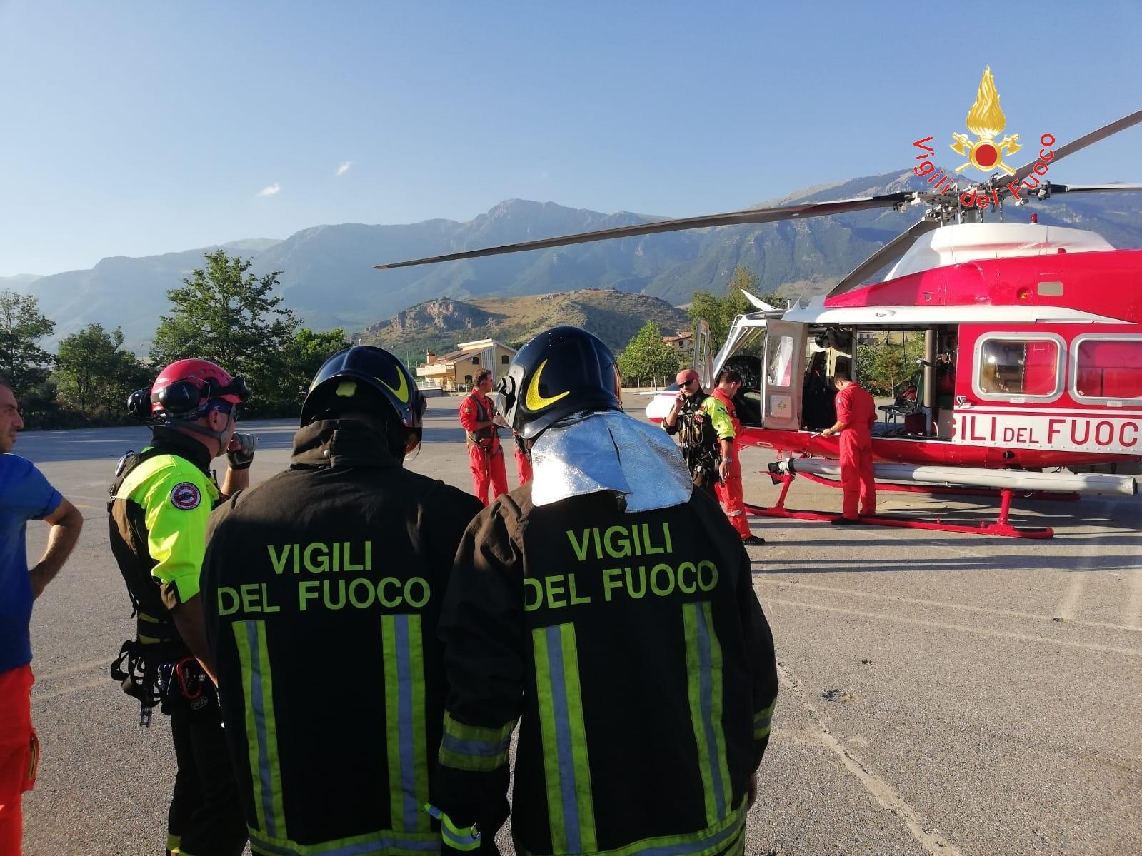 Salvata escursionista caduta in una gola nel RegginoAnche un elicottero per recuperare la donna ferita
