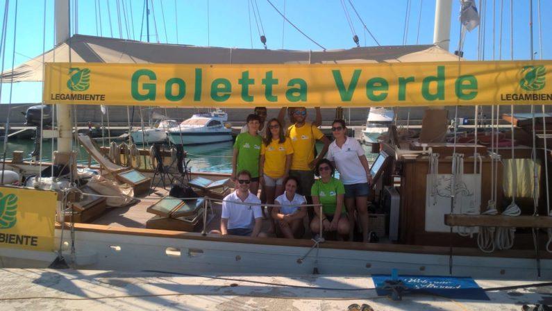 """Le critiche di Goletta Verde al mare della Calabria Tra aree """"malate croniche"""" e depurazione al collasso"""