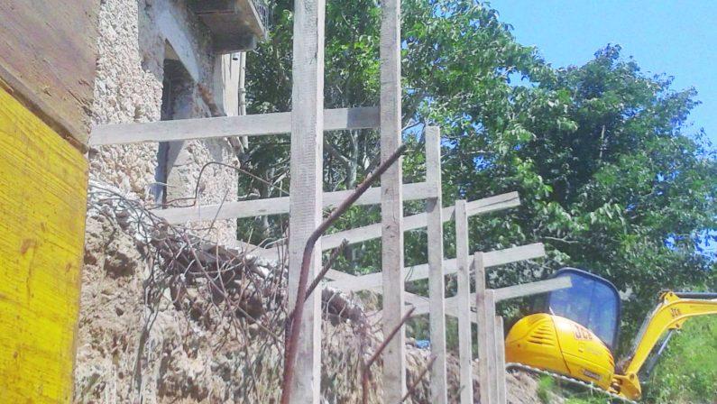 Operaio morto nel Catanzarese, quattro indagatiIpotizzati reati omicidio colposo e abusivismo