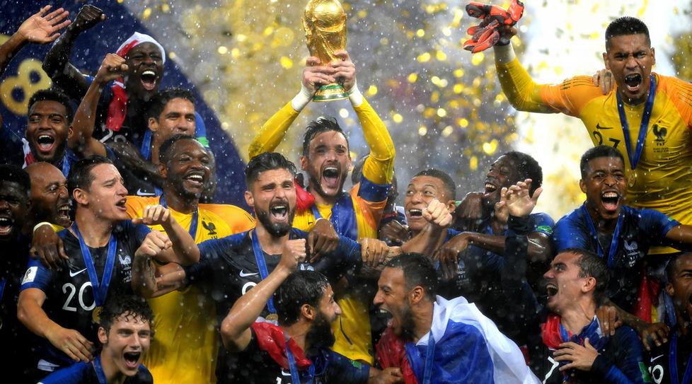 Mondiali di calcio, la sciabolata ha sgonfiato il Pallone