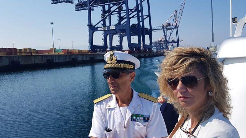 Il ministro per il Sud Barbara Lezzi visita il porto di Gioia Tauro«Una struttura strategica fortemente sottoutilizzata»